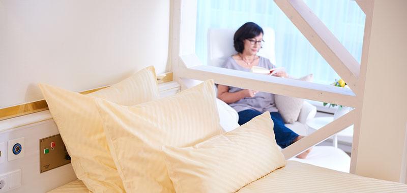 Gemütliches Patientenzimmer