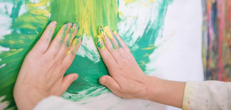 Hände in der Kunsttherapie