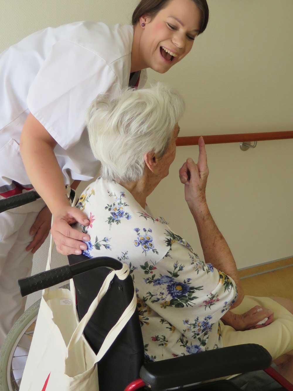 Pflegerin und Patient