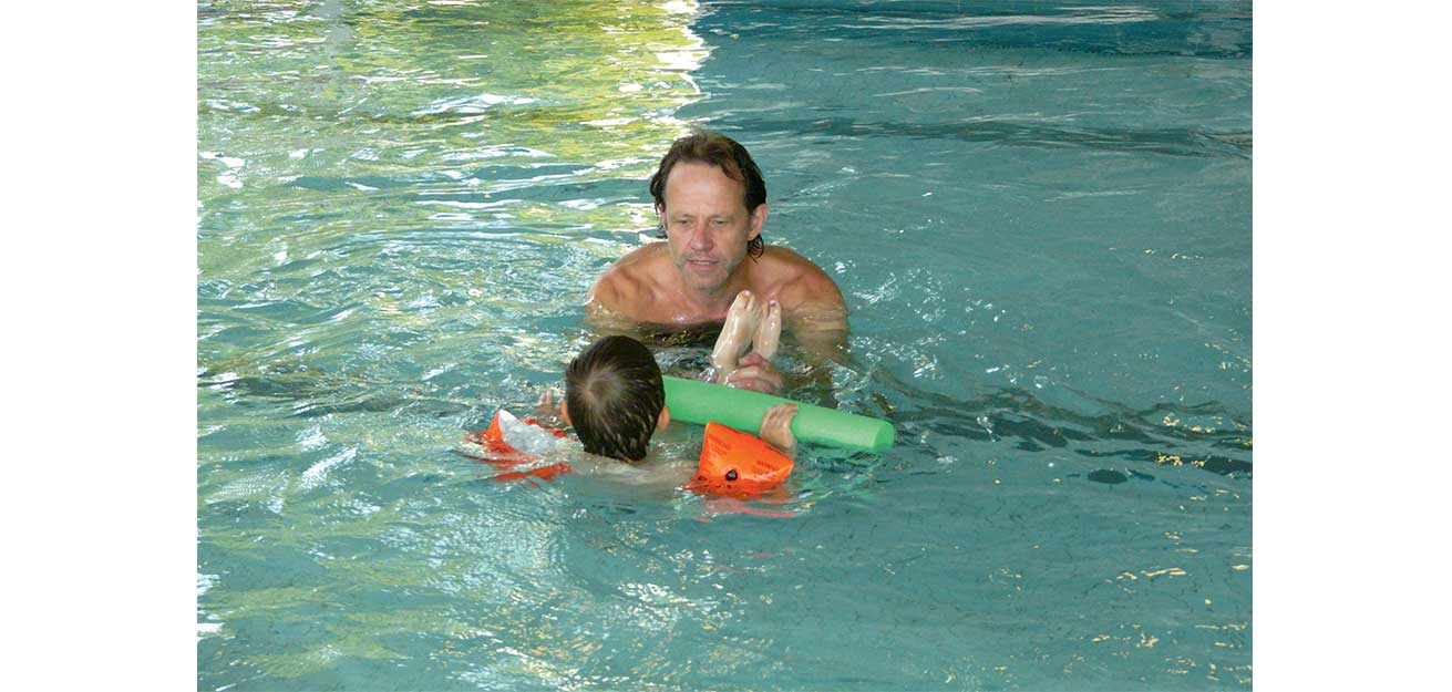 Physiotherapie im Schwimmbad