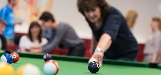 Poolbilliard in der Freizeit